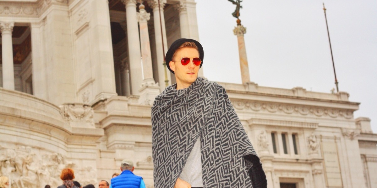 With-my-poncho-in-Rome-006