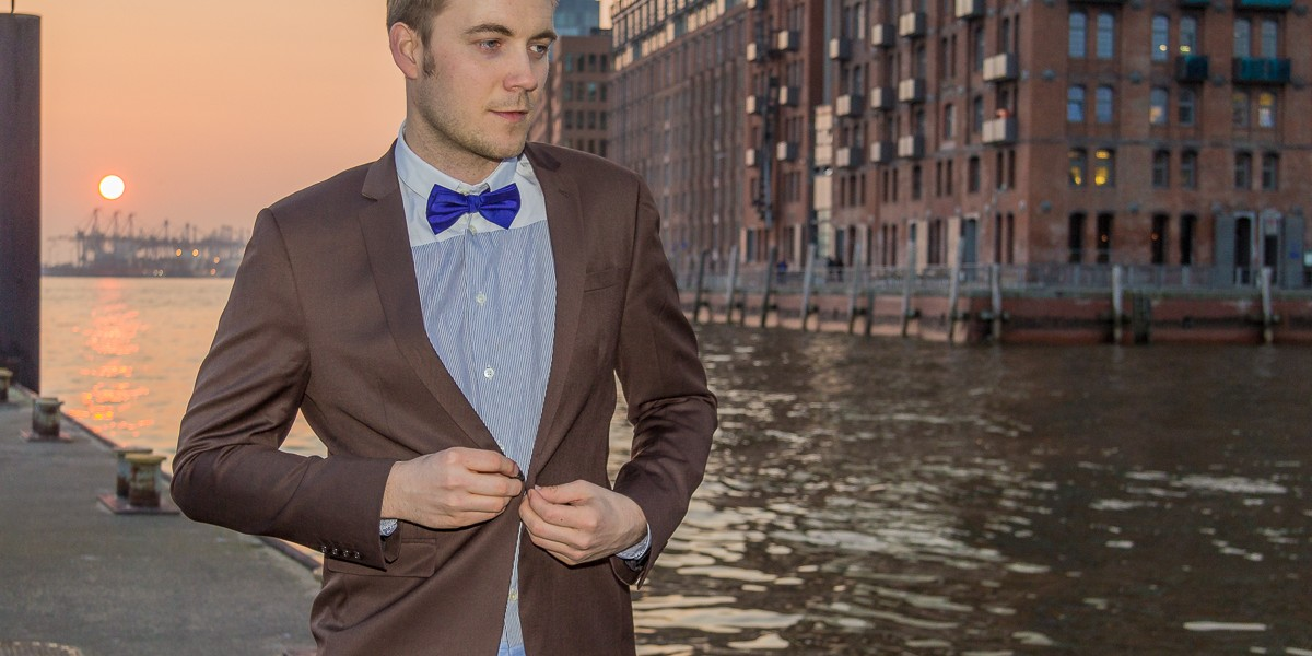 brown-suit-purple-bow-tie-004